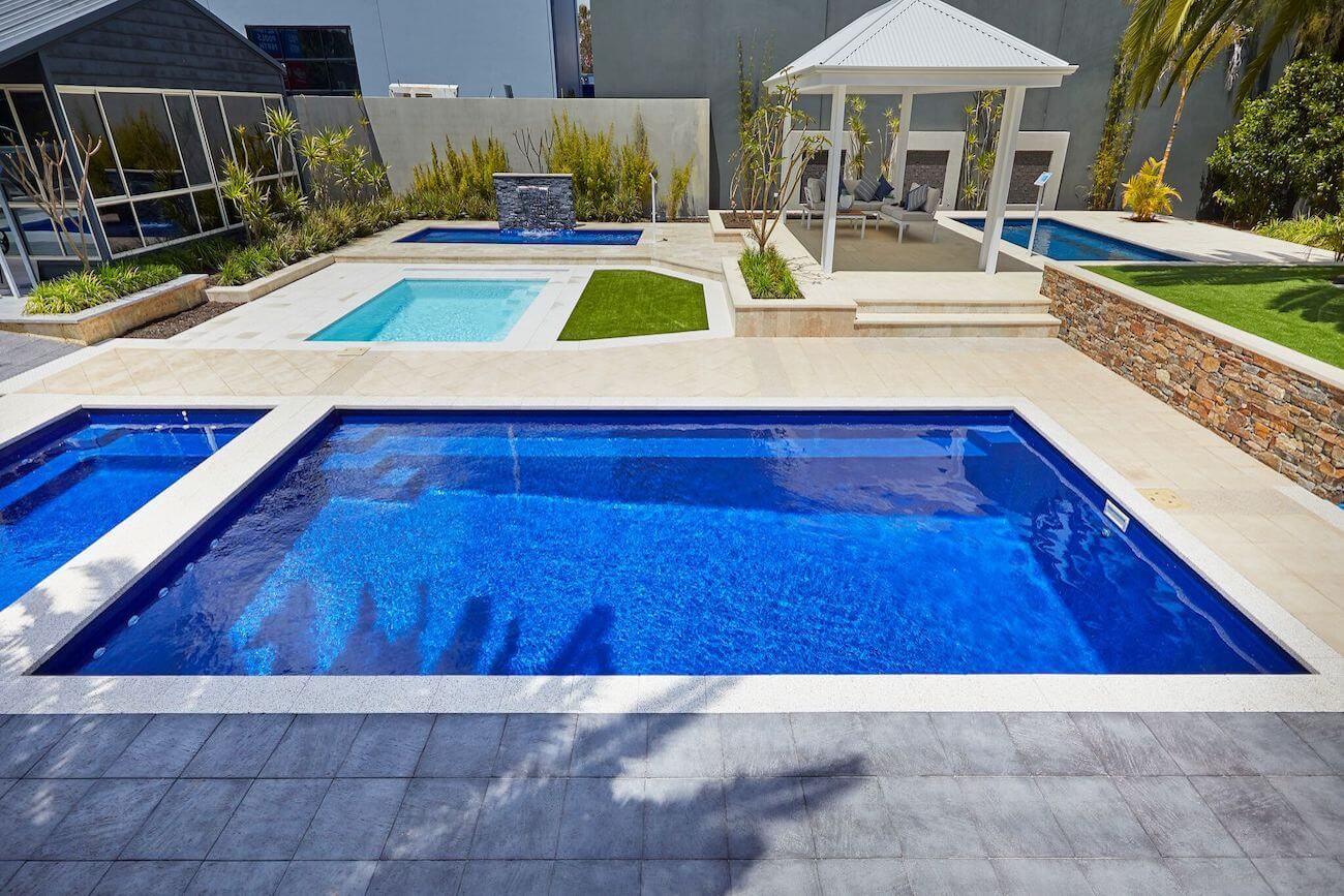 Hampton Pool8m x 4m
